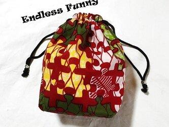 多様性☆巾着袋 パズル赤  アフリカンプリント生地の画像