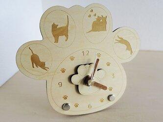 肉球時計 猫ちゃんシルエット付(木製)/ラブ猫ちゃんシルエット入りの画像