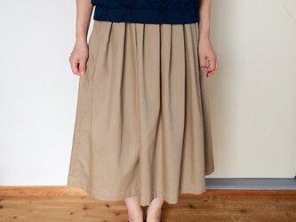 タックフレアースカート ベージュの画像