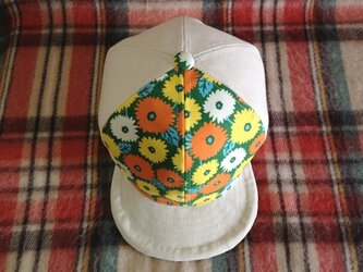 帆布のお花畑キャップの画像