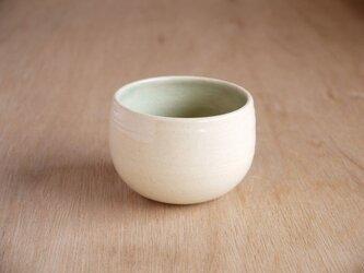 浅葱釉の丸いお湯飲みの画像