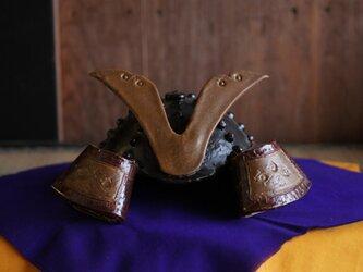 陶器の兜の画像