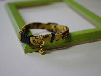 猫 アラベスク柄首輪(黄)の画像