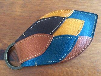 キーホルダーfish  4色の画像