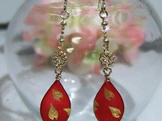 桜のピアス・イヤリング 「灯花」の画像