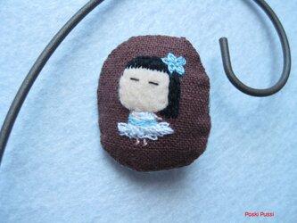バレリーナの女の子<布ブローチ(刺繍ブローチ)>の画像