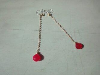 一粒ピンクカルセドニーのイヤリングの画像