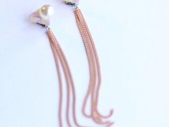 △ chain pink ピアスの画像