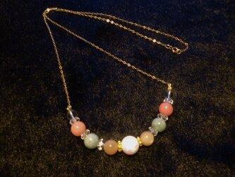 京都オーパル&オレンジムーストーン&ジエイド&水晶ネックレスの画像