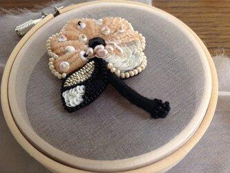 花の刺繍ブローチⅣの画像