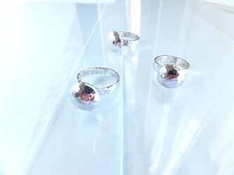 Round Silver Ringの画像