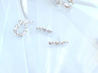 Twisted Silver Earring (Bar-line)の画像