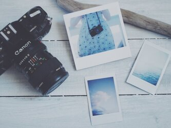 ワンピースとフィルムカメラのポラロイド風 メモ帳の画像