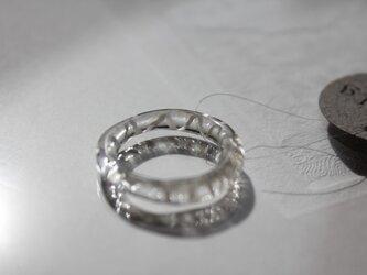 蜻蛉玉*白いレースの指輪〈無垢〉の画像