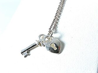 鍵・ハート・ネックレストップ・ネックレス【silver】の画像