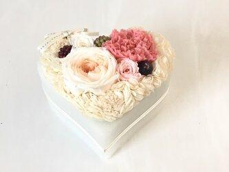 Flower cake  # strawberry pink *プリザーブドフラワー*の画像