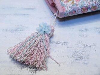 ❁お花タッセル❁ 【パール付きシフォンフラワー】ベビーブークレー糸 バッグチャーム・キーホルダーなどに ブルーの画像