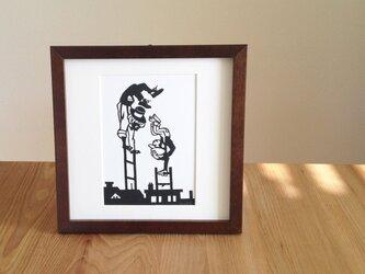 切り絵のサーカス「煙突掃除夫」の画像