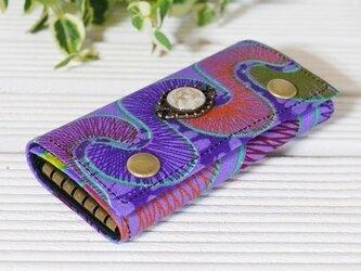 紫の幾何学模様6連キーケース/レジントップ付き/アフリカンプリント生地の画像