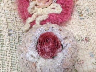 ふわふわお花モチーフとローズの2WAYアクセサリー。の画像