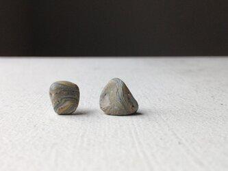 陶器ピアス  石Dの画像