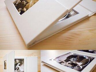 1個から作れるオリジナルレザーギフトCD/DVDケースの画像
