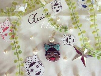 Únicaちゃん刺繍パールピアス≪Pierced earrings[Única]P-0001N/W≫の画像