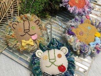 ライオンさまのもふもふブローチ(みどり)の画像