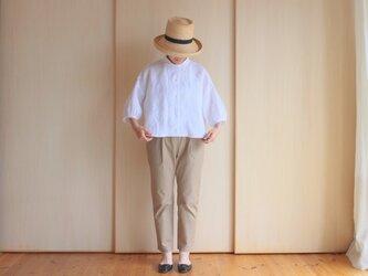 定番リネン丸襟パフスリーブブラウス・白の画像
