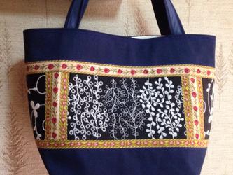 PJC草と実刺繍 帆布 パッチワークトートバッグの画像