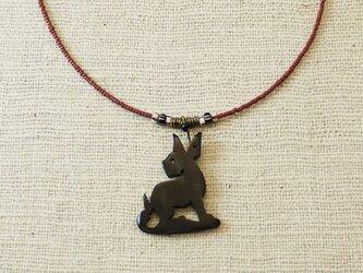 動物モチーフのネックレスの画像