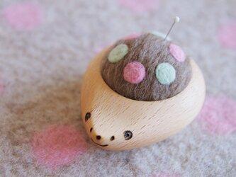 ハリネズミの羊毛ピンクッション【針山】はるいろ水玉の画像