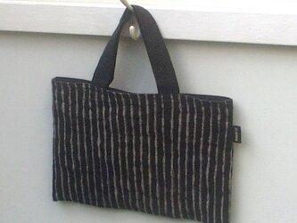 リネンのおさいふバッグ 縞 / ウバメガシの画像