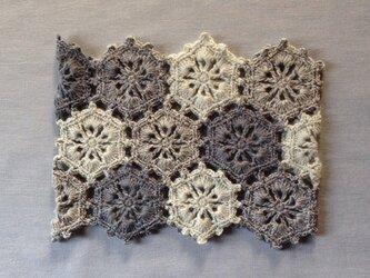 【受注後製作】花モチーフのネックウォーマー 淡い水色・ブルーグレー系の画像