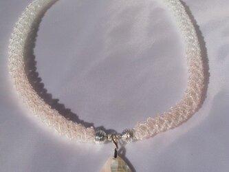 シェルピンクのネックレスの画像
