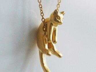 グリとラテュの猫ペンダント グリ(マットゴールド)の画像