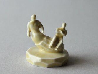 小さなヒトのオブジェ 40 (落花生人)の画像