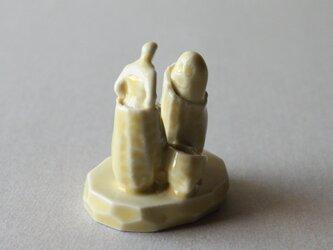 小さなヒトのオブジェ 35 (オトモダチ)の画像