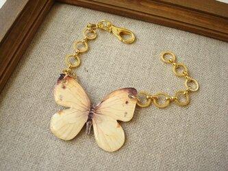紋白蝶のバックチャームの画像