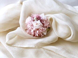 プリザーブドフラワーの薔薇のコサージュ「受注制作」の画像