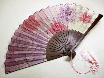絹扇子(薔薇の花)の画像