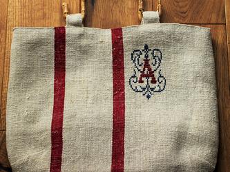 アンティークグレインサックのバッグの画像