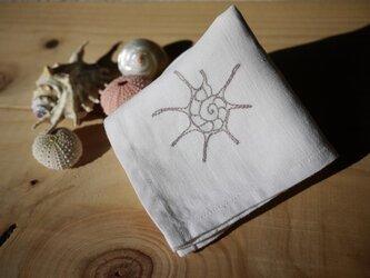 シェルの刺しゅう ナプキンの画像