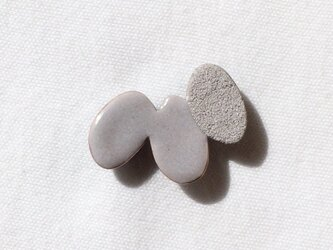 OVAL triple pin(gray)の画像