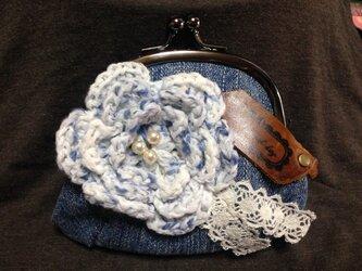 デニム生地のがま口財布☆お花のモチーフaの画像