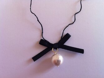 Necklace:bebe(black×white)の画像