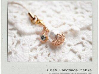 Blush Handmade Zakka: 天然石真珠の母金メッキ携帯ストラップの画像