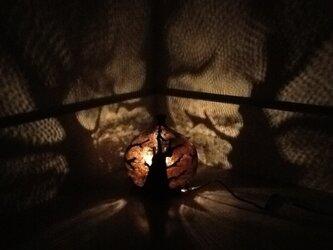 やわらかな 森のなか ランプの画像