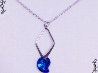 巻貝クリスタルのネックレスの画像