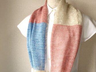 コットンとリネンの機械編みスヌード ピンク×ライトブルーの画像